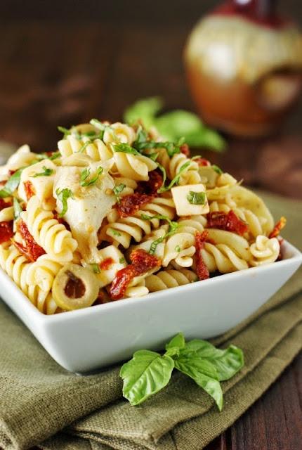 Sun Dried Tomato, Artichoke, & Fresh Basil Pasta Salad