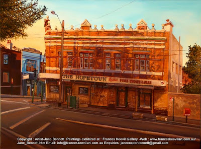 Plein air oil  painting of  the derelict abandoned Hopetoun Hotel in Surry Hills painted by industrial heritage artist Jane Bennett