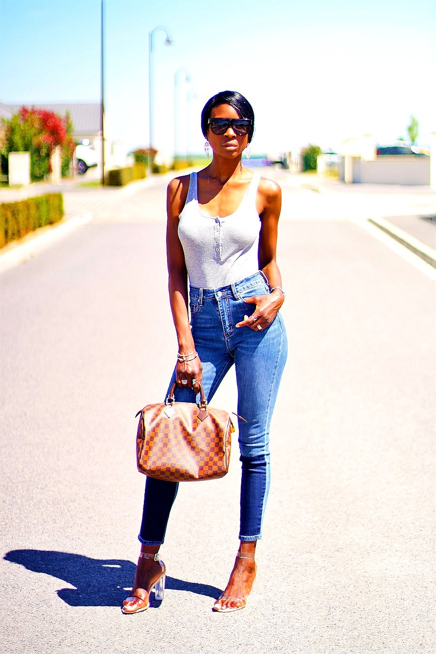 mom-jeans-body-tenue-inspiration-look-d-ete