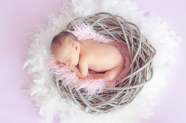 Tips Menghilangkan Biang Keringat Pada Bayi
