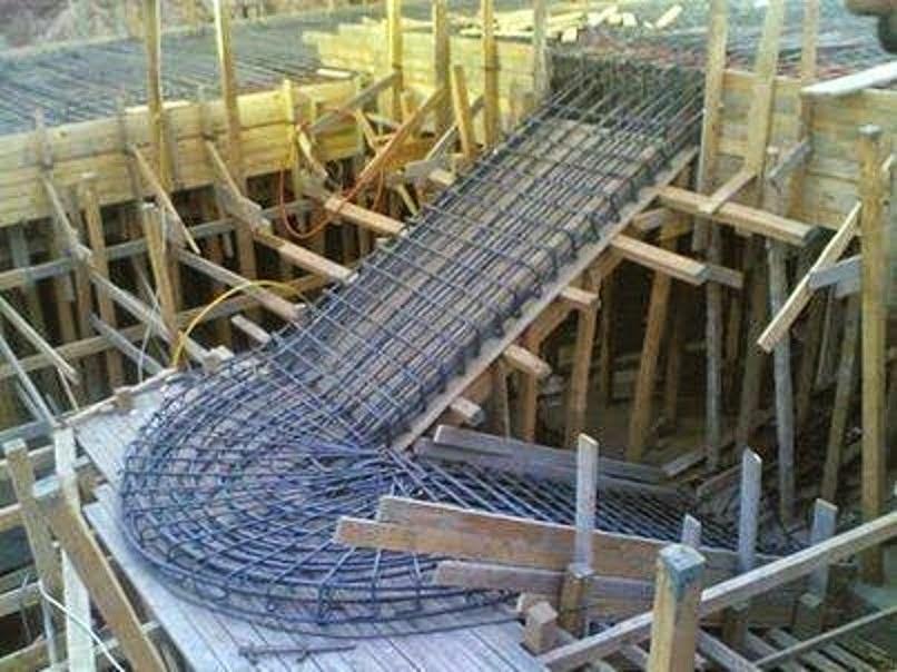 stairs_staircase_curved_formwork_reinforced_concrete_spiral_encofrado_cimbra_escalera_curva_hormigon_concreto_armado_zanca_circular_espiral_2.jpg