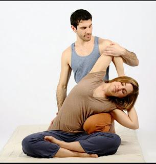 arjuna massage adalah layanan jasa pijat panggilan surabaya yang melayani, pria wanita dan pasutri di surabaya