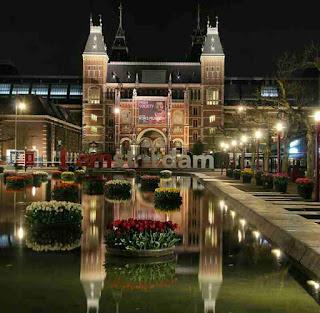 Rijksmuseum Amsterdam, Tempat Wisata di Belanda Terbaik yang Wajib Dikunjungi, wisata belanda murah, tempat wisata di amsterdam, tempat wisata di belanda saat musim dingin, tempat belanja di belanda, paket wisata belanda, tempat romantis di belanda, taman bunga belanda, taman belanda