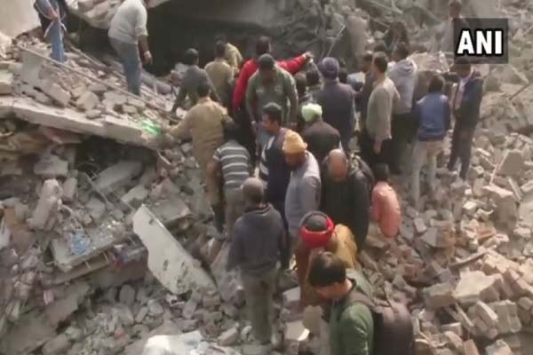 ludhiana-4-manjila-building-collapsed-many-dead-many-injured