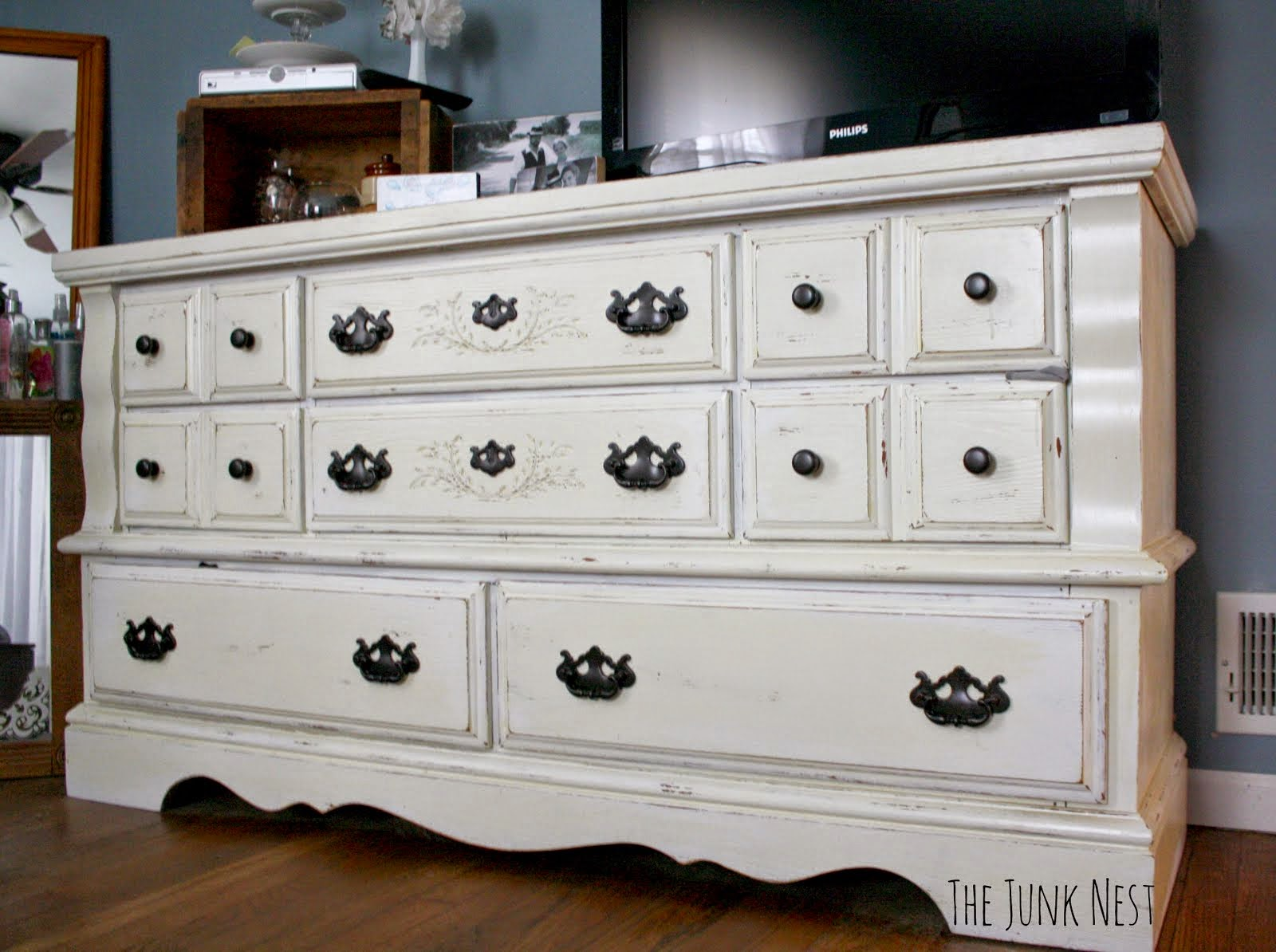 Chalk Painted Dresser Tutorial