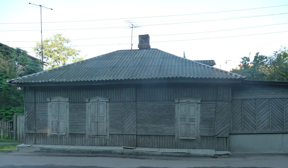 Конотоп. Жилой дом. Клубная ул.