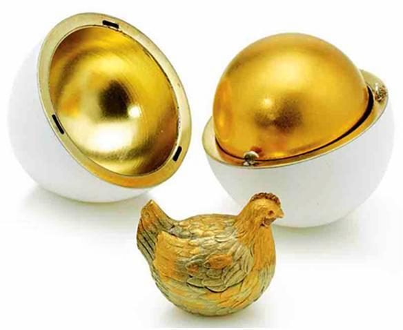 Foto de um Ovo de Fabergé - Galinha Dourada