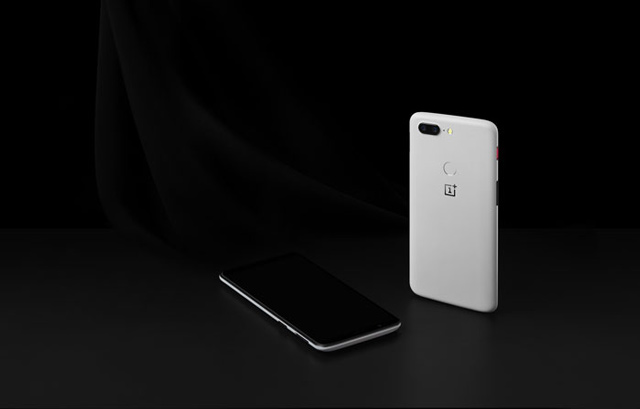 شركة ون بلس تطرح نسخة الحجر الرملي Sandstone من هاتف OnePLus 5T باللون الأبيض