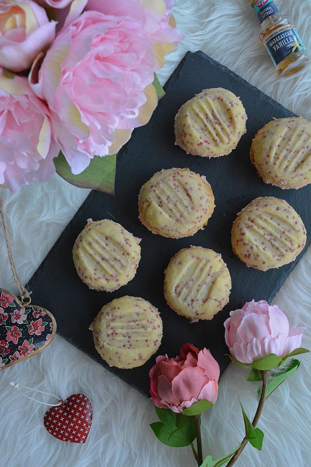 raspberry buttercream, raspberry, melting moments, baking