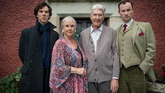 Em Sherlock, a família do detetive é mais presente do que nas histórias originais. (Foto: BBC/divulgação)