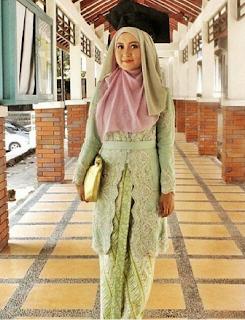 Model Kebaya Muslim Wanita Berjilbab