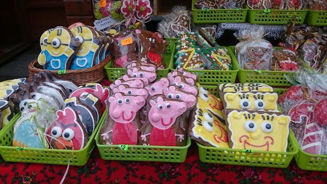 pierniczki jarmark przed świąteczny minionki katowice