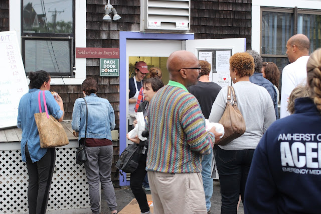 Queue | Back Door Donuts | Oak Bluffs | Chichi Mary Blog