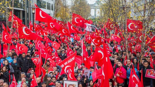 Γερμανική πόλη απαγορεύει σε Τούρκο υπουργό να εκφωνήσει ομιλία υπέρ του Ερντογάν