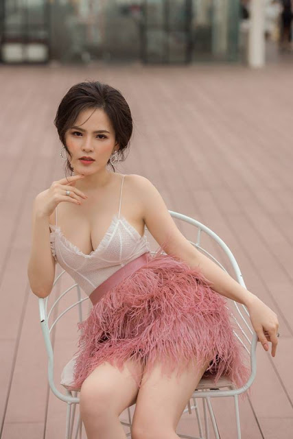 Bạn trai trong clip bị lộ của hot girl mì gõ Phi Huyền Trang là ai?