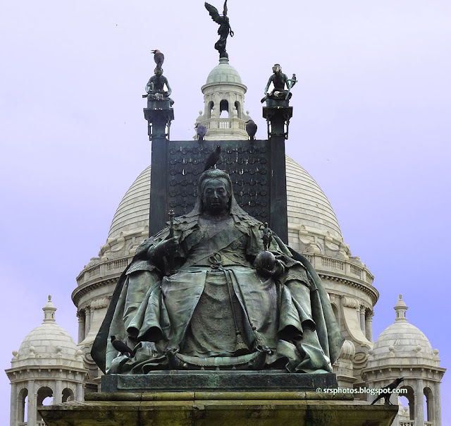 Queen Victoria Statue on Front of Muesum, Kolkata