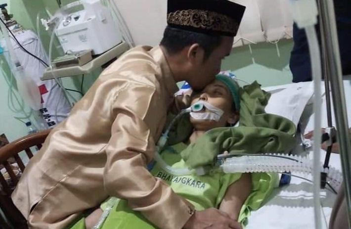 Kabar Duka, Istri Ustadz Maulana Meninggal di RS Bhayangkara Makassar, Muslimah Toraja Berduka