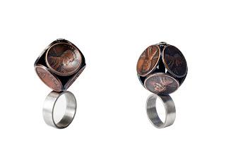 Bonito anillo con monedas