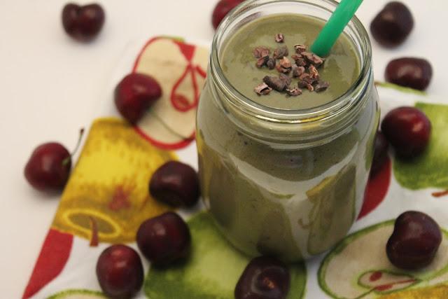 Chocolate Cherry Green Smoothie