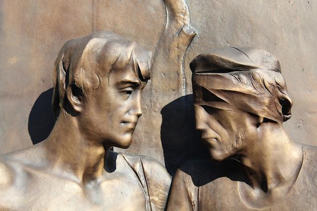 dua patung