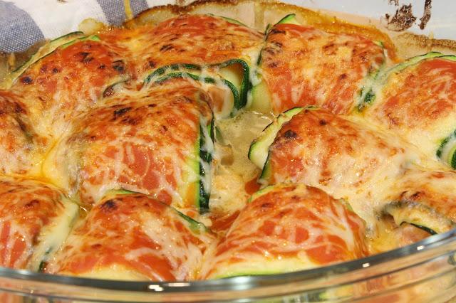 canelones de calabacin rellenos de queso de cabra champiñones y tomate