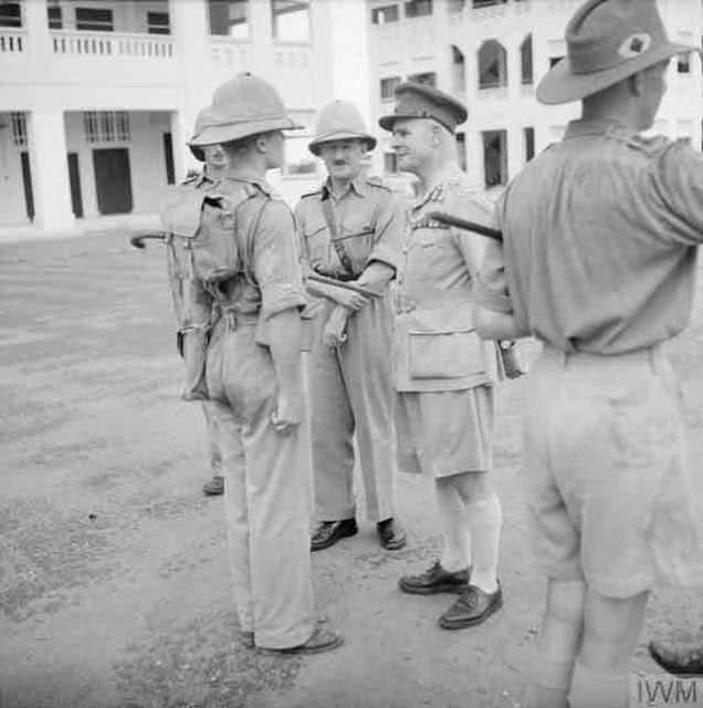General Wavell in Singapore, 3 November 1941 worldwartwo.filminspector.com