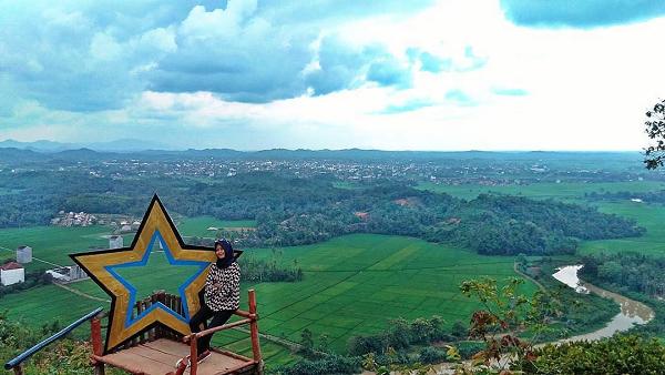 Pesona Keindahan Bukit BLT Yang Istimewa Di Lampung
