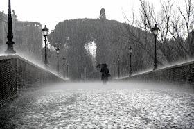 Terapi Suara hujan Untuk Relaksasi menenangkan fikiran dan mengatasi susah tidur