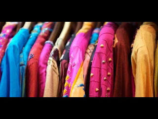 تفسير حلم رؤية الملابس الملونة في المنام