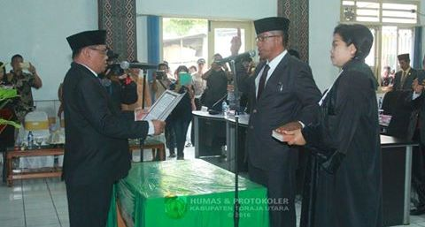 Marthen Tonapa Resmi Gantikan Kursi Swarti Parrung di DPRD Torut