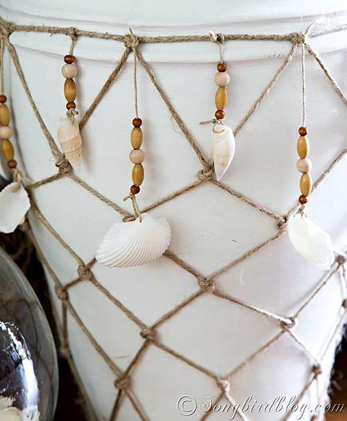 Diy nautical vase idea with fish net and shells coastal decor ideas and interior design - Nautical rope decorating ideas ...