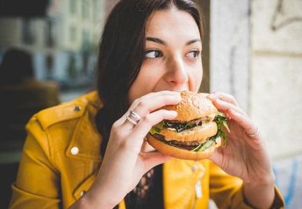 makanan-minuman-penyebab-hipertensi