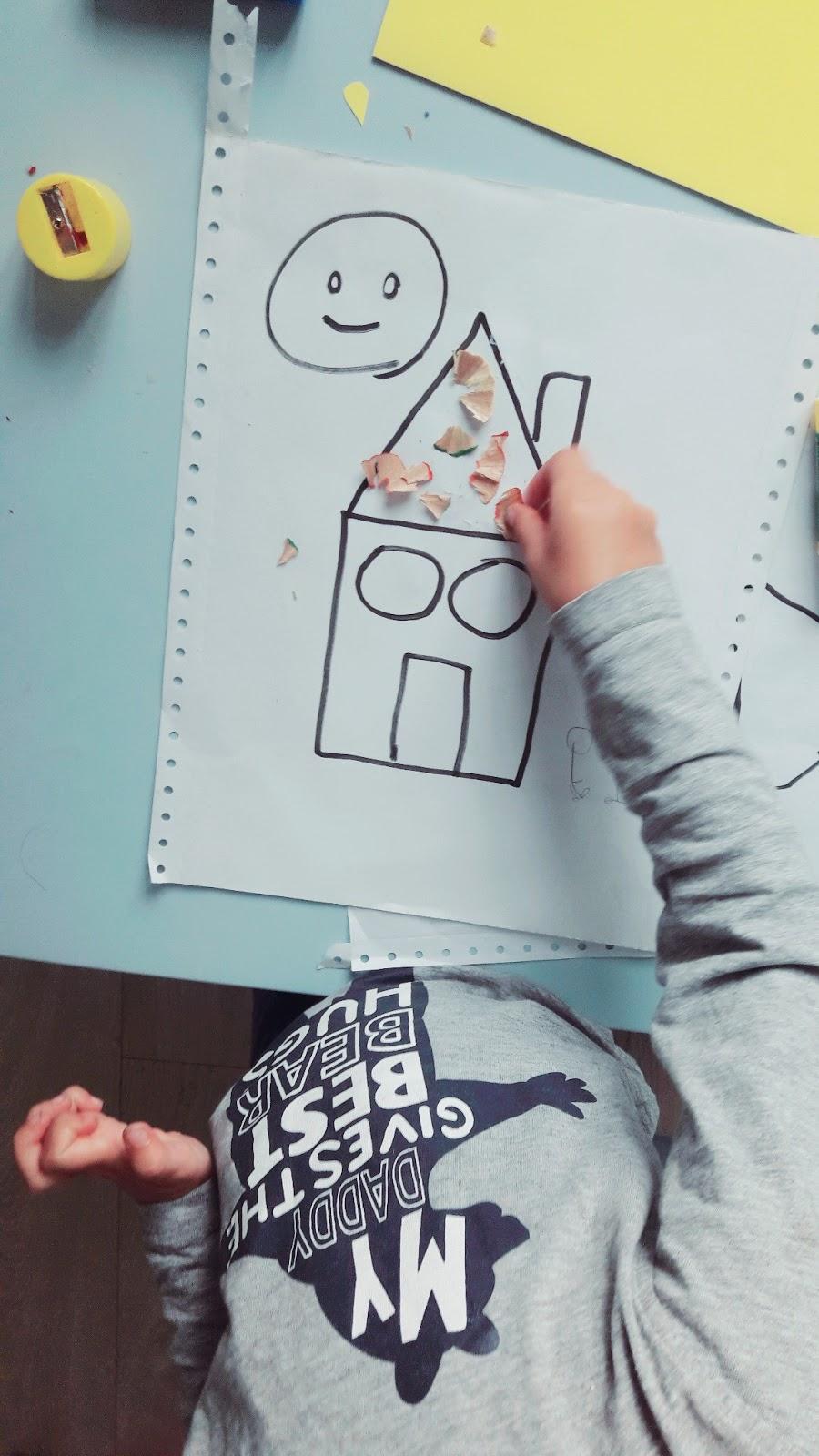 domek - tworzymy kreatywny domek z sznurka, farby i wiórki kredek, zabawa , kreatywnie