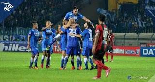 Persib Bandung vs Persipura Jayapura 2-0 TSC Sabtu 12 November 2016.