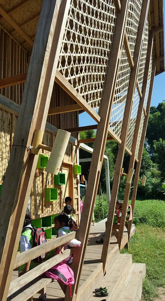 bangunan rumah baca dan TK  ramah lingkungan
