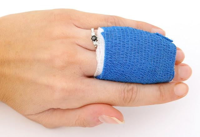 Cidera Jari Tangan, Safety, Materi Safety Talk, Bagaimana melindungi jari tangan, Keselamatan jari tangan, penyebab cidera pada jari tangan, Tips menghindari cidera pada jari tangan,
