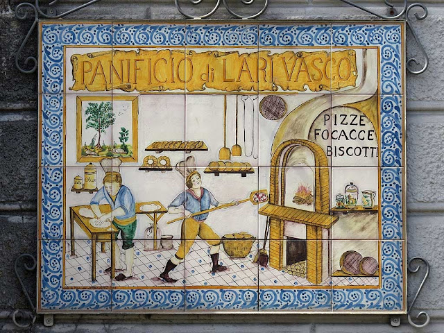 Tiled sign, Lari Vasco's bakery, via Palestro, Livorno