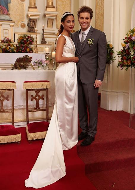 Regina (Camila Pitanga) noiva, Babilonia vestido de Lethicia Bronstein