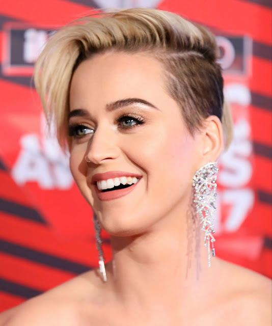 Katy-Perry-announces-tour-dates