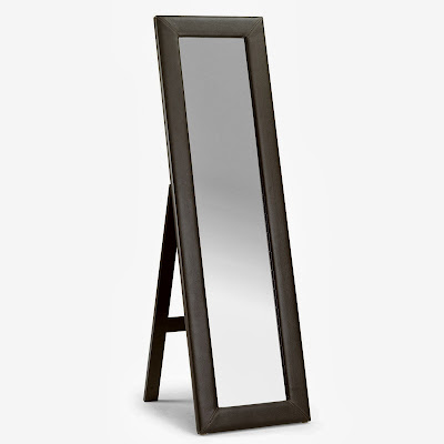 Standing Mirror  Model Minimalis  dengan minus ukiran  ini  di jual dengan harga terjangkau. di buat dengan  material kayu Mahoni dan finishing yang berkualitas, memberikan nuansa  elegant , cermin / mirorr ini dapat di jadikan pelengkap interior kamar tidur anda. Cermin yang kami sediakan variabel dari yang jenis ukiran, bahan kayu jati maupun mahoni , gaya klasik / minimalis dll.