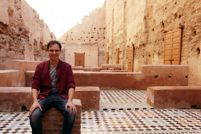 Alberto entre las ruinas del Palacio el Badi