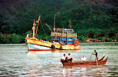 In the Myeik archipelago the harbor of the city