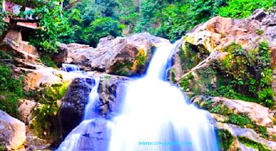Gambar Air Terjun Lhoong Atau Krueng Mempesona