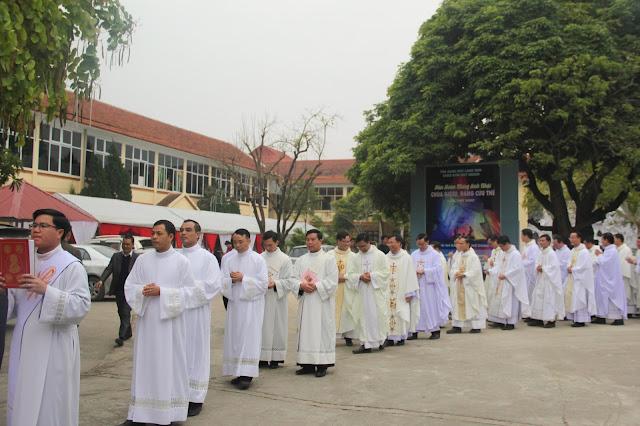 Lễ truyền chức Phó tế và Linh mục tại Giáo phận Lạng Sơn Cao Bằng 27.12.2017 - Ảnh minh hoạ 76