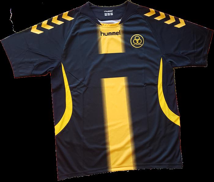 O modelo é predominantemente preta com a cor amarela aparecendo numa faixa  vertical no centro da camisa 239d96e80ff53