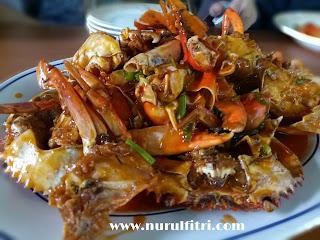 http://www.nurulfitri.com/2017/07/pesta-makan-kepiting-di-parit-9-seafood.html