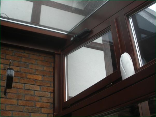 okno uchylne strowane elektrycznie, budowa ogrodu zimowego,