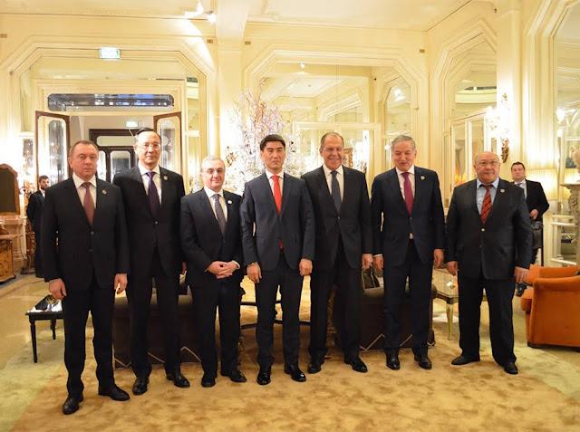 Armenia y Azerbaiyán se reúnen por la paz en Milán