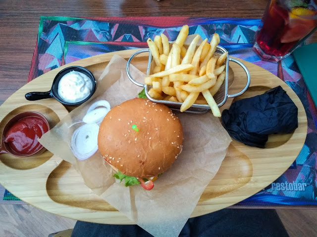 Veggie burger @ Jolly & Joker, Astana