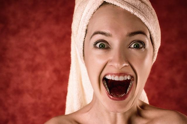 Kenali 8 Penyebab Umum Bau Mulut